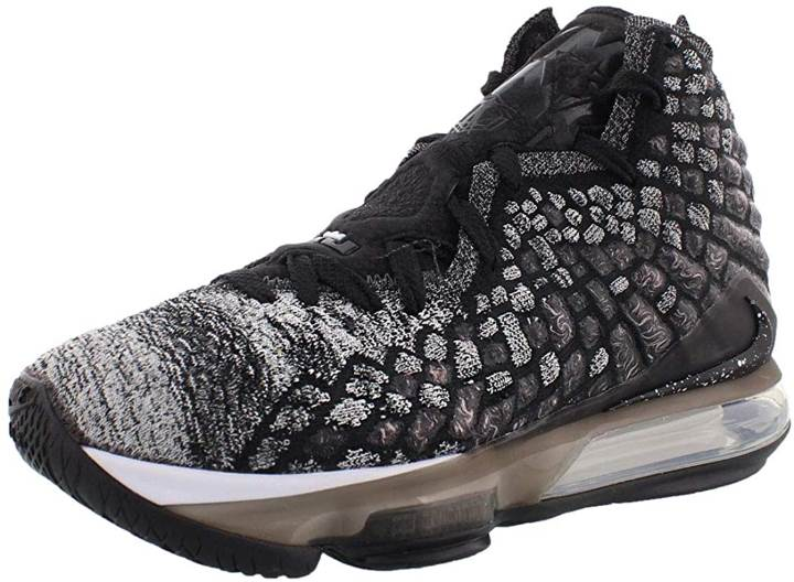 Top basketball shoes for widebeet - Nike Lebron 17