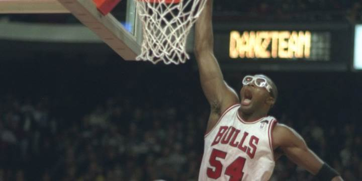 Wearing glasses during basketball match