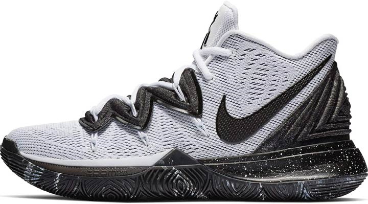 perfect basketball shoes for splendid sports.